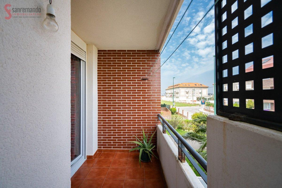 Piso en venta en Suances  de 2 Habitaciones, 1 Baño y 65 m2 por 99.000 €.