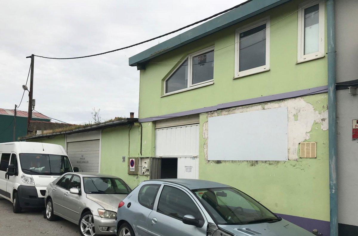 Nave industrial en venta en Camargo  de 225 m2 por 82.700 €.
