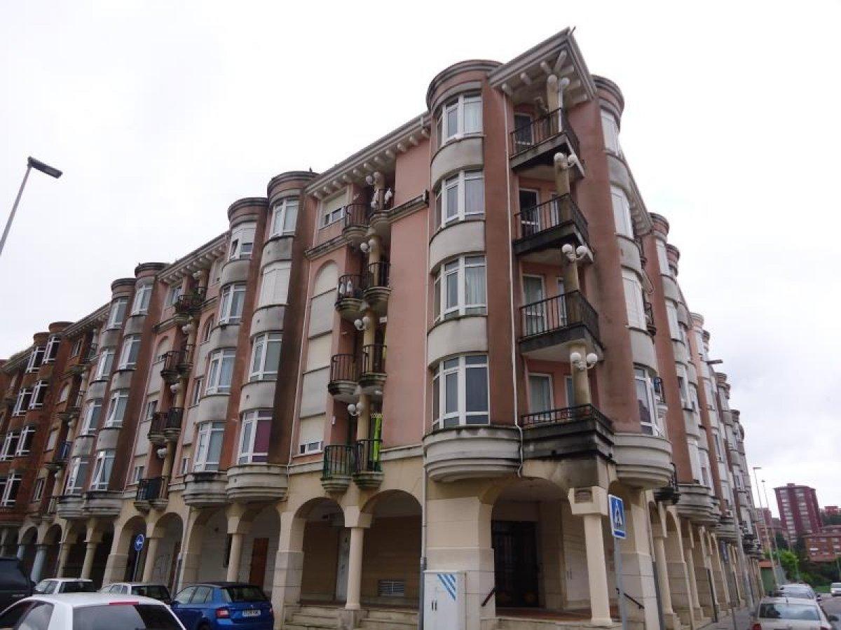 Piso en venta en Santander  de 2 Habitaciones, 1 Baño y 56 m2 por 51.765 €.