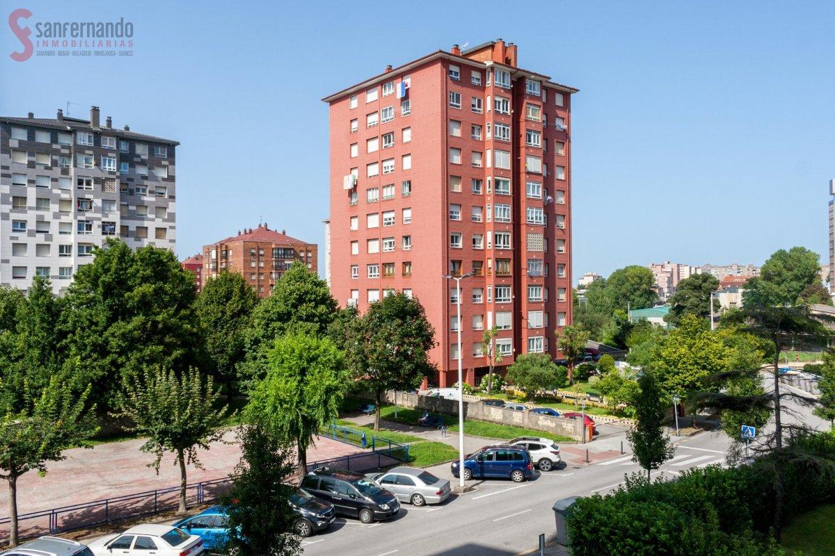 Piso en venta en Santander  de 4 Habitaciones, 2 Baños y 100 m2 por 207.000 €.