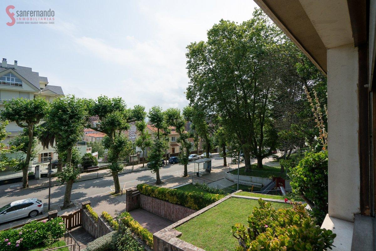 Piso en venta en Santander  de 5 Habitaciones, 3 Baños y 1 m2 por 499.000 €.
