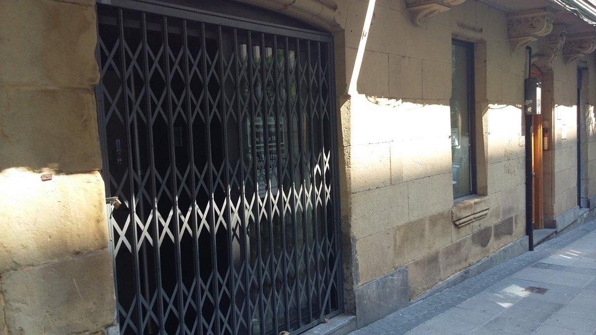 Local comercial en venta en Bilbao  de 1 Baño y 170 m2 por 347.000 €.