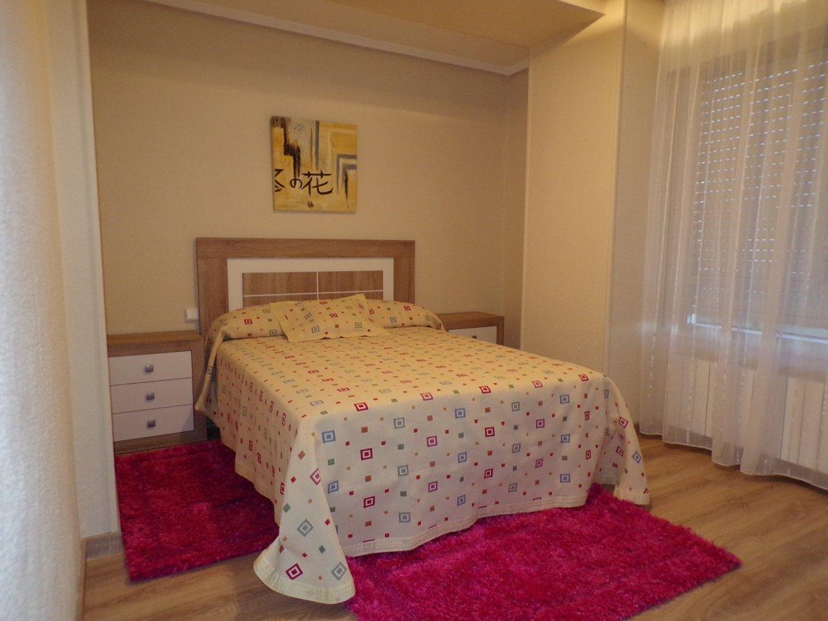 Piso en alquiler en Torrelavega  de 3 Habitaciones, 2 Baños y 102 m2 por 600€/mes.