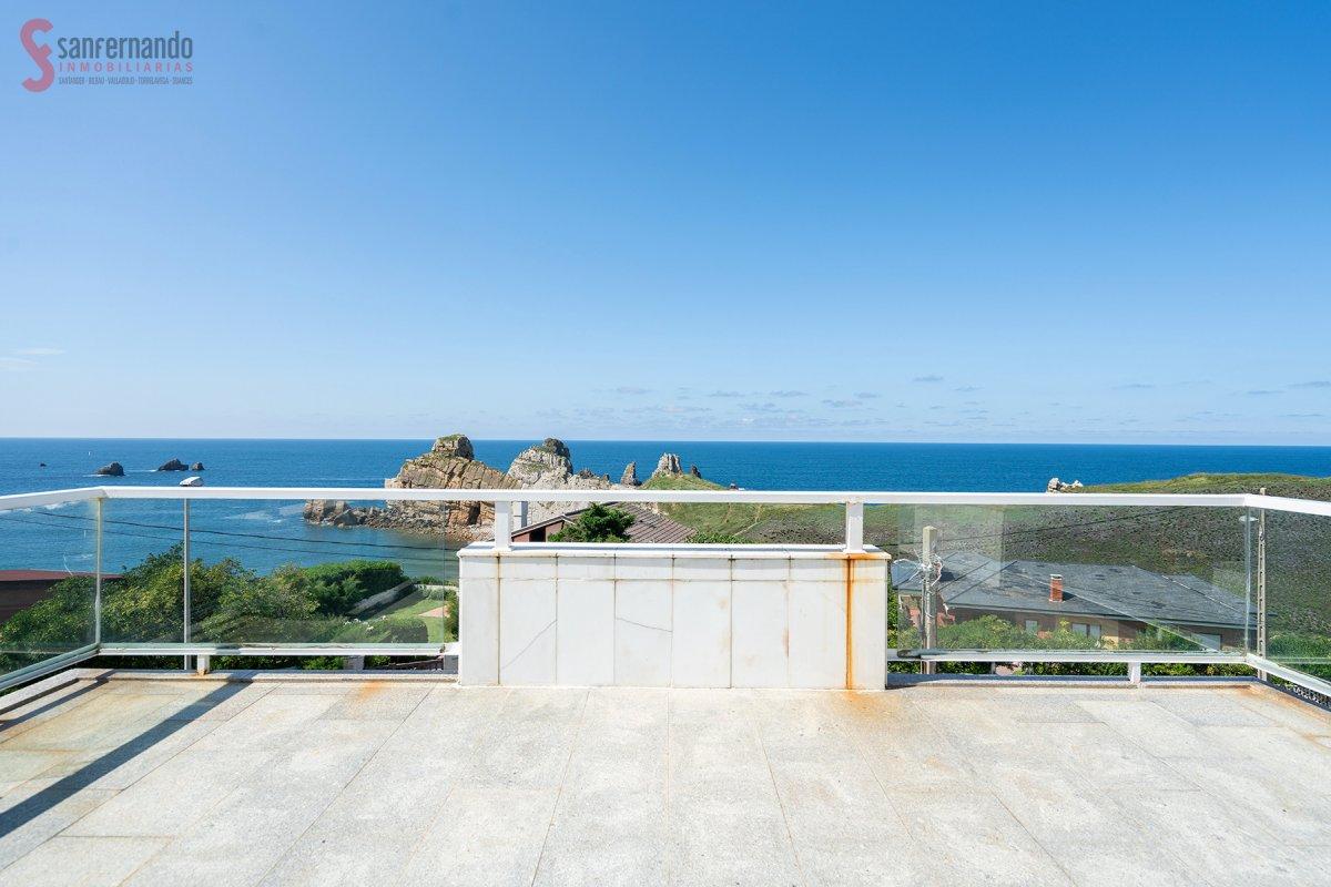 Chalet en venta en Liencres  de 3 Habitaciones, 3 Baños y 278 m2 por 499.000 €.