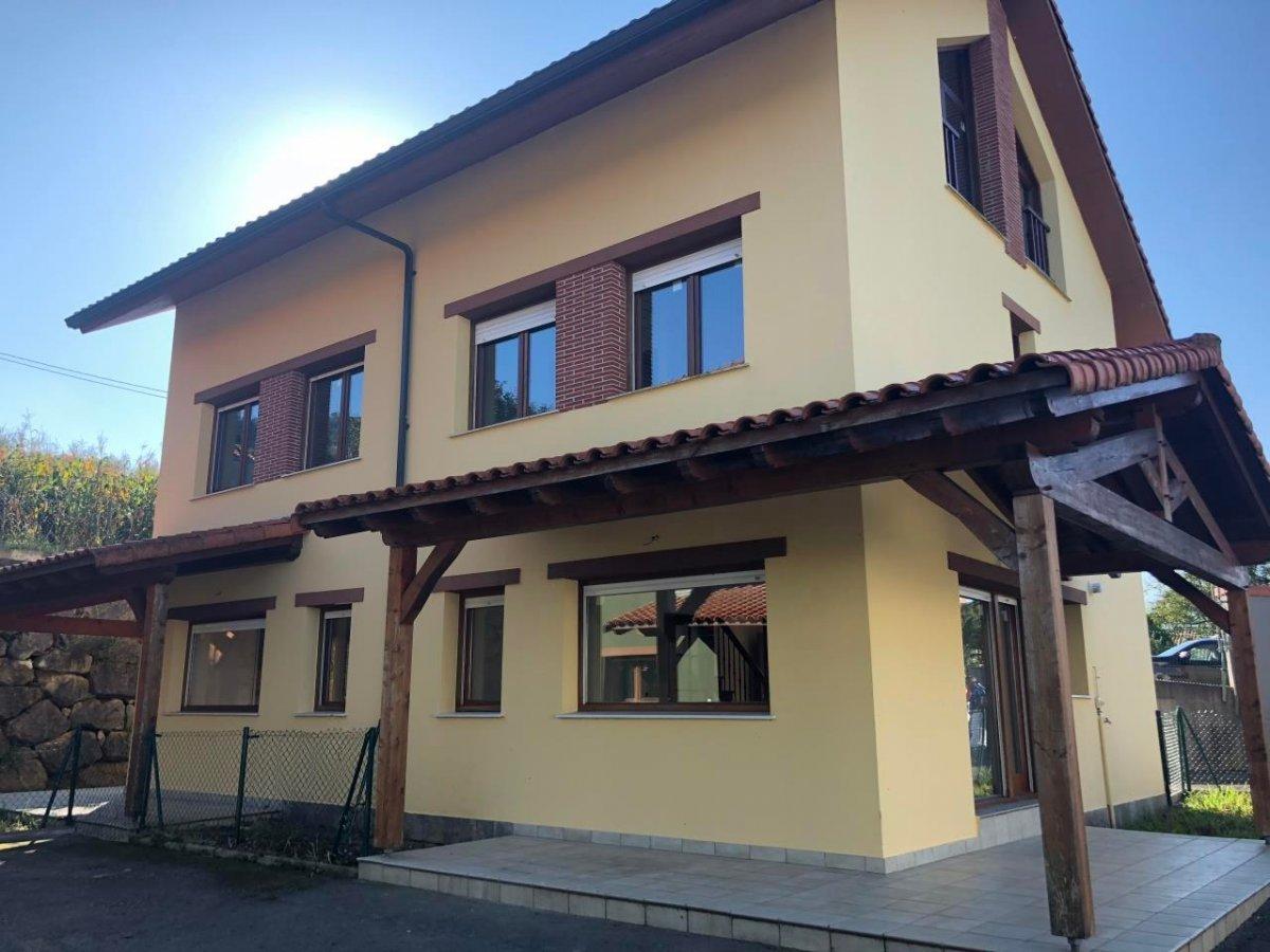 Chalet en venta en Ampuero  de 3 Habitaciones, 2 Baños y 132 m2 por 122.500 €.