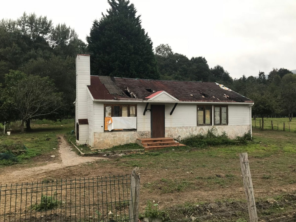 Casa con terreno en venta en Guriezo  de 3 Habitaciones, 2 Baños y 118 m<sup>2</sup> por 63.800 €.