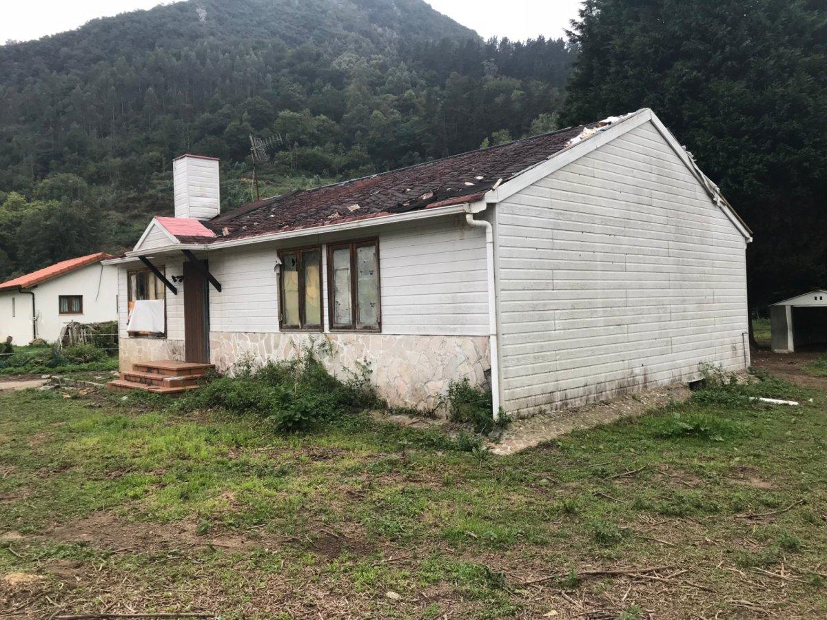Casa con terreno en Guriezo - CANTABRIA
