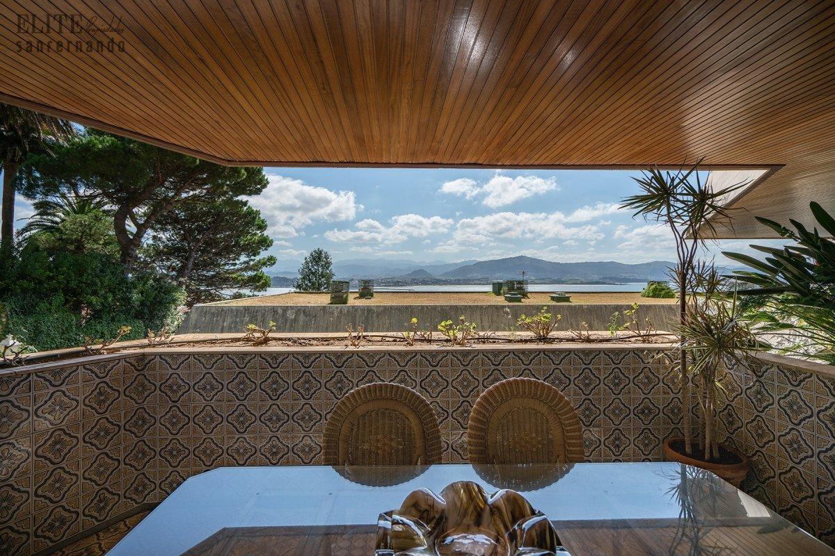 Piso en venta en Santander  de 4 Habitaciones, 3 Baños y 268 m2 por 1.300.000 €.