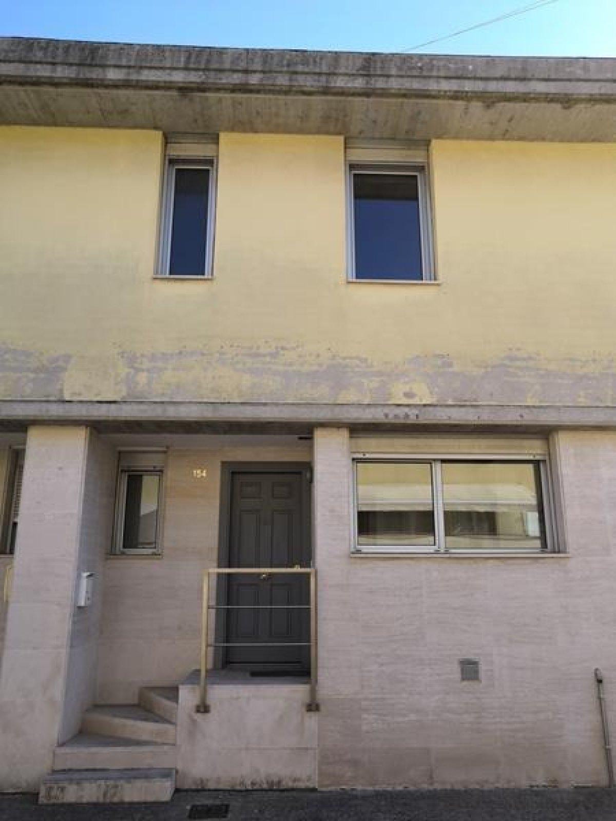Chalet en alquiler en Santander  de 3 Habitaciones, 2 Baños y 150 m2 por 850€/mes.