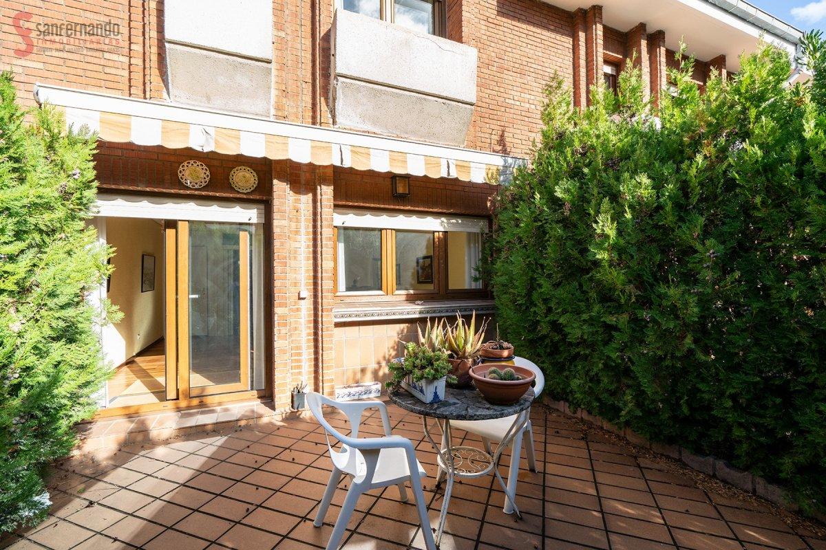 Adosada en venta en Santander  de 3 Habitaciones, 2 Baños y 171 m2 por 229.000 €.