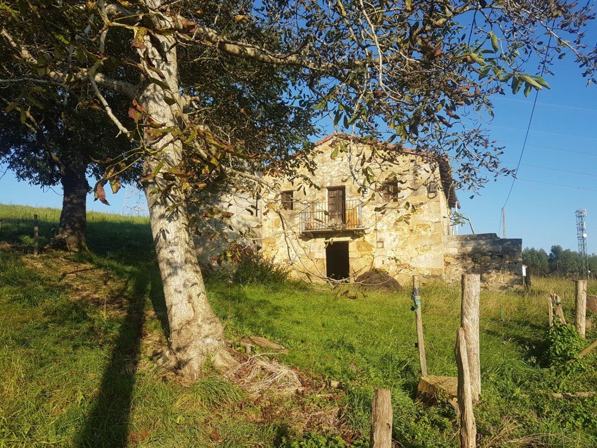 Finca Rústica en venta en Villafufre  de 208 m2 por 25.000 €.