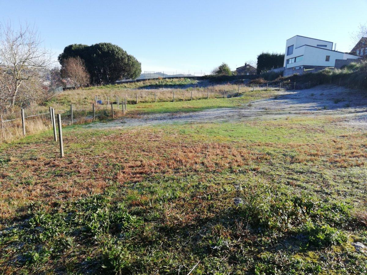 Terreno urbano en venta en Pielagos  de 1.000 m2 por 90.000 €.