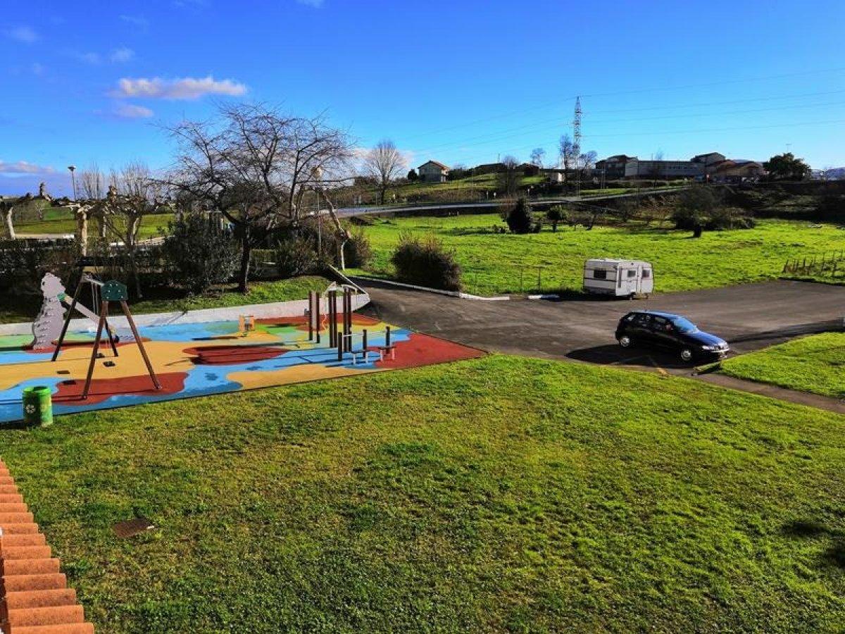Piso en venta en Camargo  de 2 Habitaciones, 1 Baño y 49 m2 por 52.700 €.