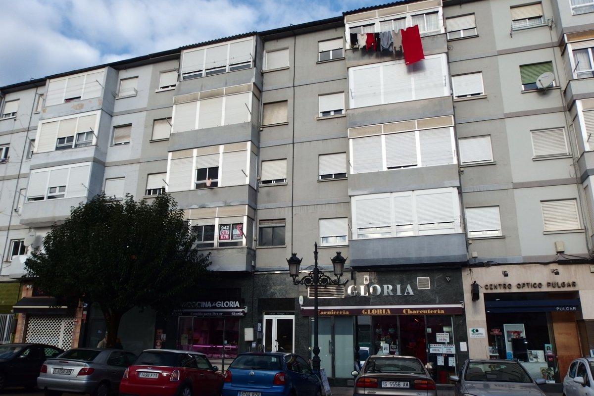 Piso en venta en Torrelavega  de 3 Habitaciones, 1 Baño y 60 m2 por 40.500 €.