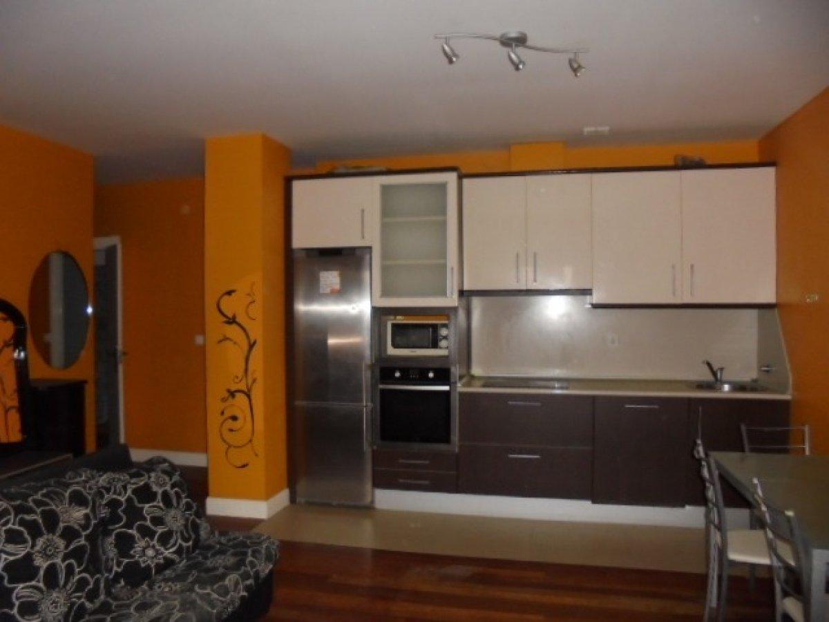 Piso en venta en Sestao  de 2 Habitaciones, 1 Baño y 78 m2 por 166.500 €.