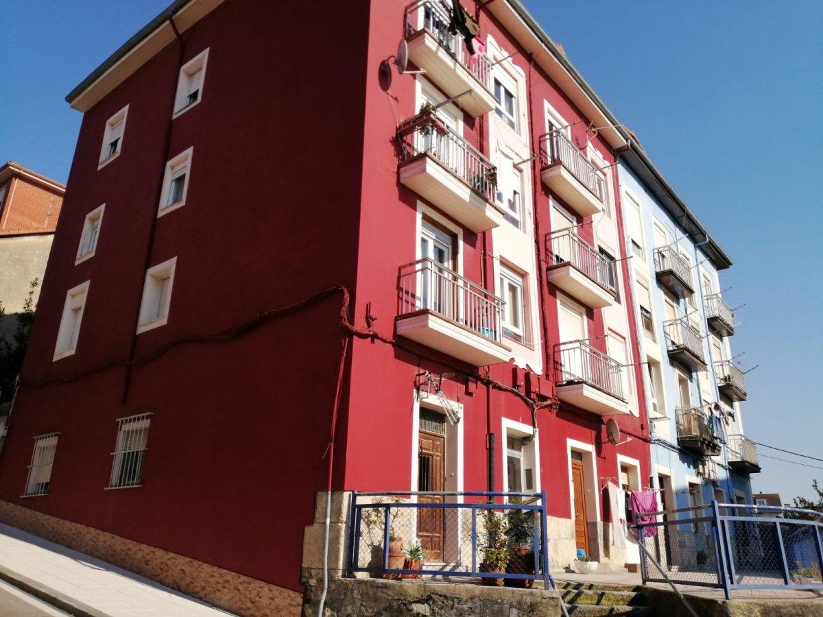 Piso en venta en Santander  de 3 Habitaciones, 1 Baño y 69 m2 por 79.000 €.