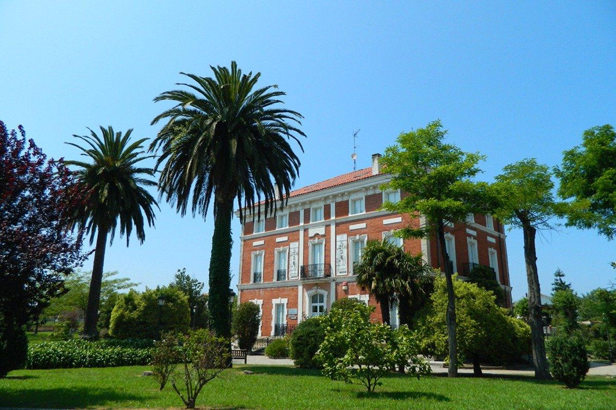 Terreno urbano en venta en Polanco  de 537 m2 por 73.000 €.