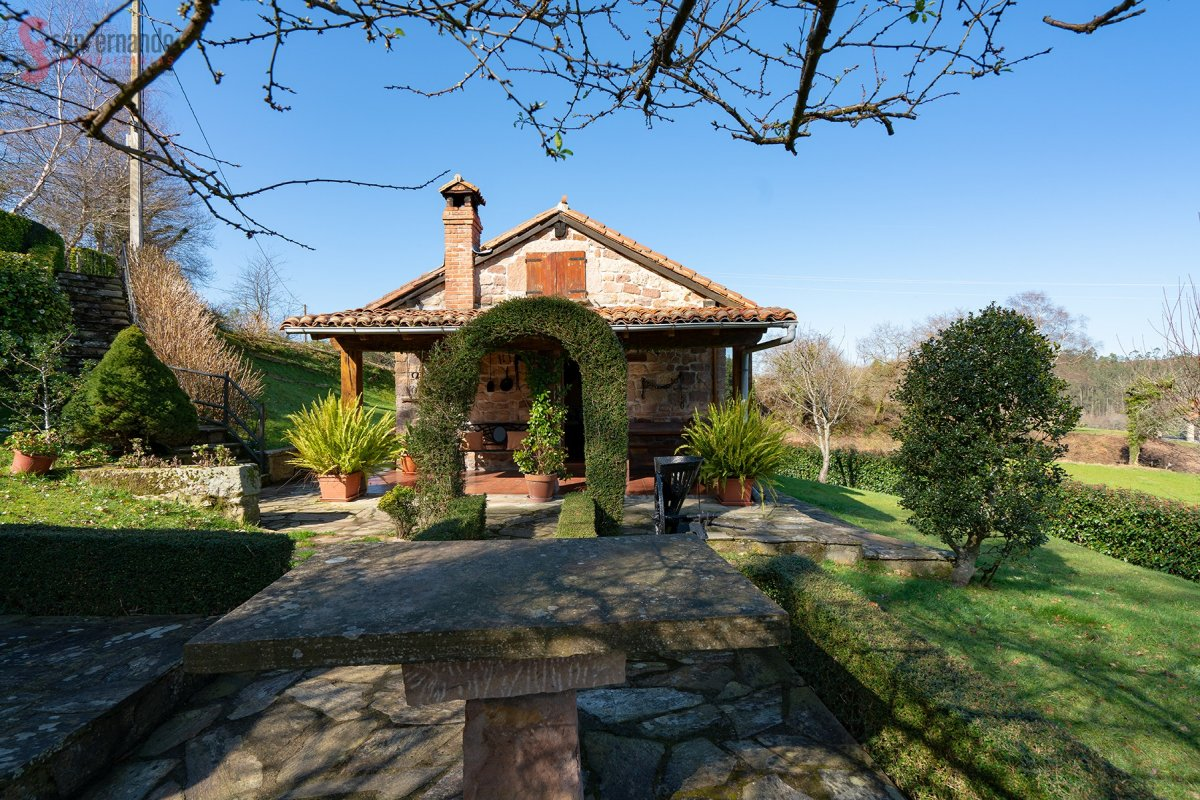 Casa en venta en Cartes  de 1 Habitación, 1 Baño y 75 m2 por 75.000 €.