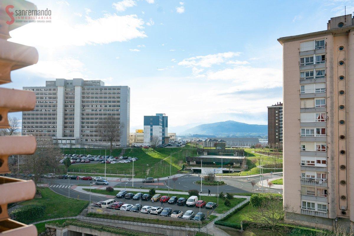 Piso en venta en Santander  de 3 Habitaciones, 1 Baño y 84 m<sup>2</sup> por 90.000 €.