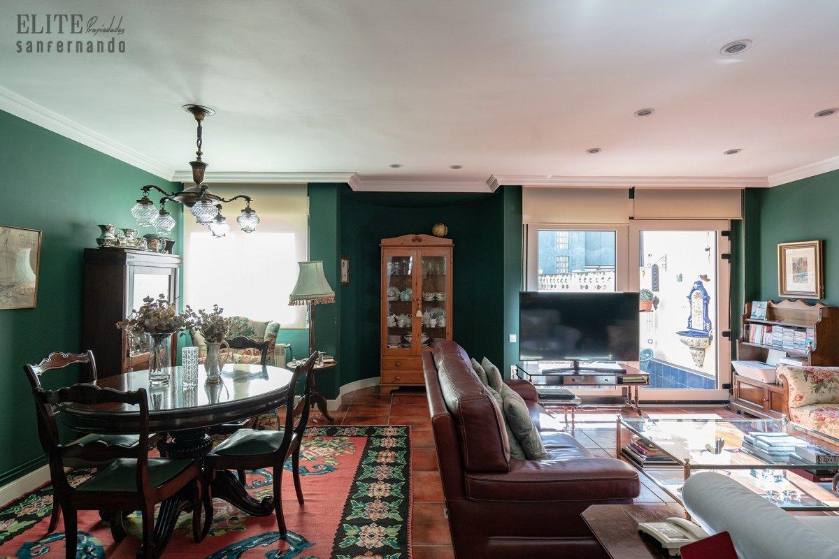 Adosado en venta en Santander  de 4 Habitaciones, 2 Baños y 217 m2 por 439.000 €.