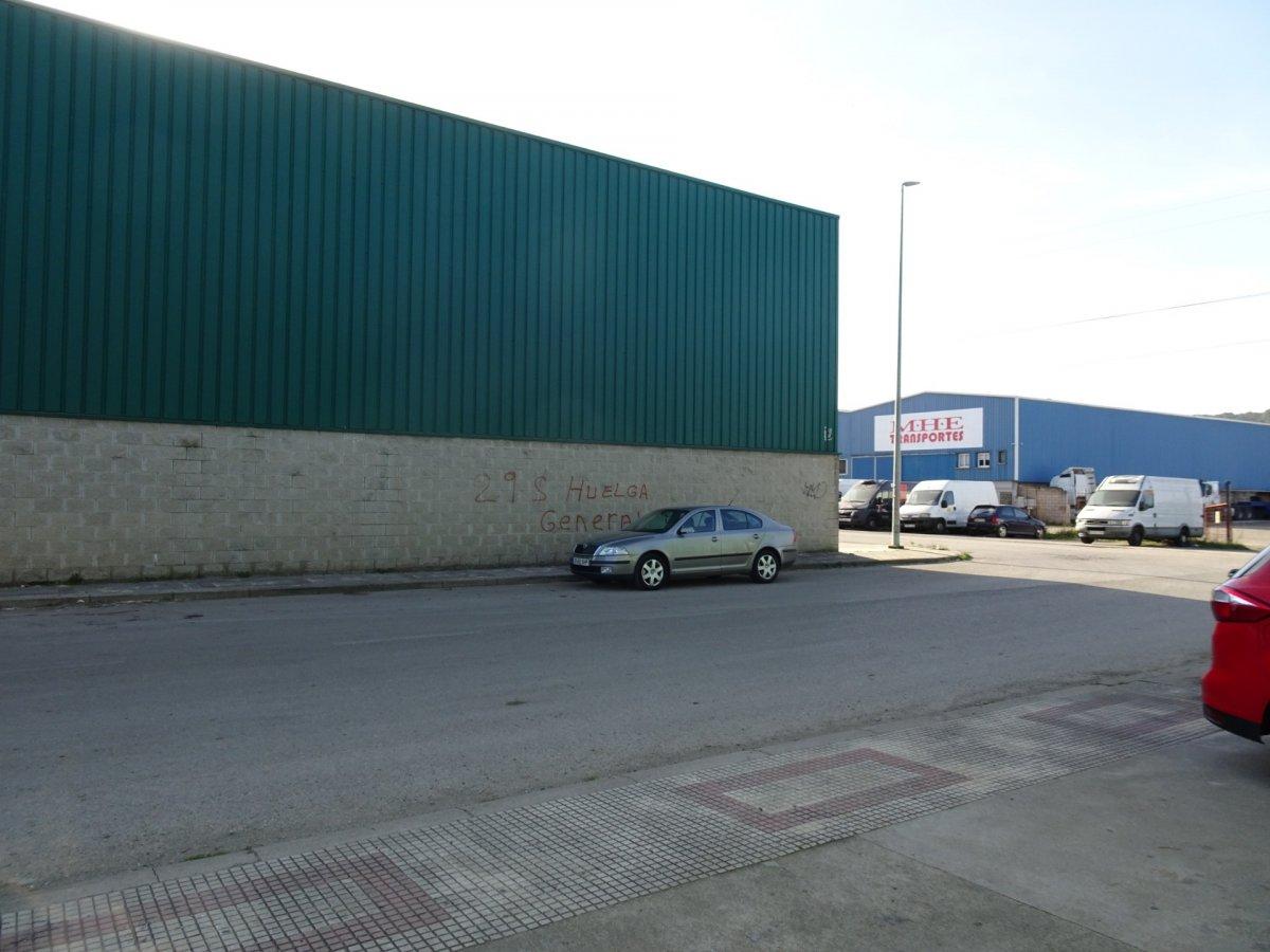 Nave industrial en alquiler en Herrera De Camargo  de 230 m2 por 750€/mes.