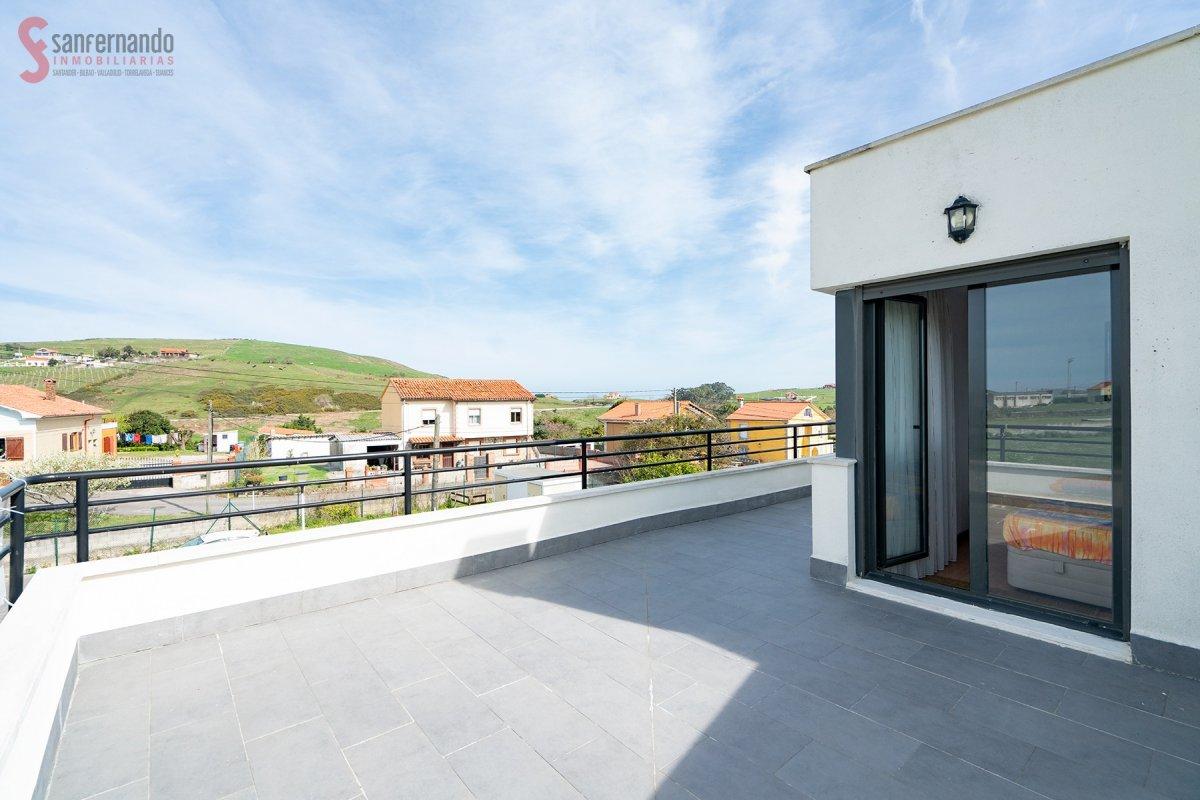 Dúplex en venta en Miengo  de 2 Habitaciones, 1 Baño y 80 m2 por 105.000 €.