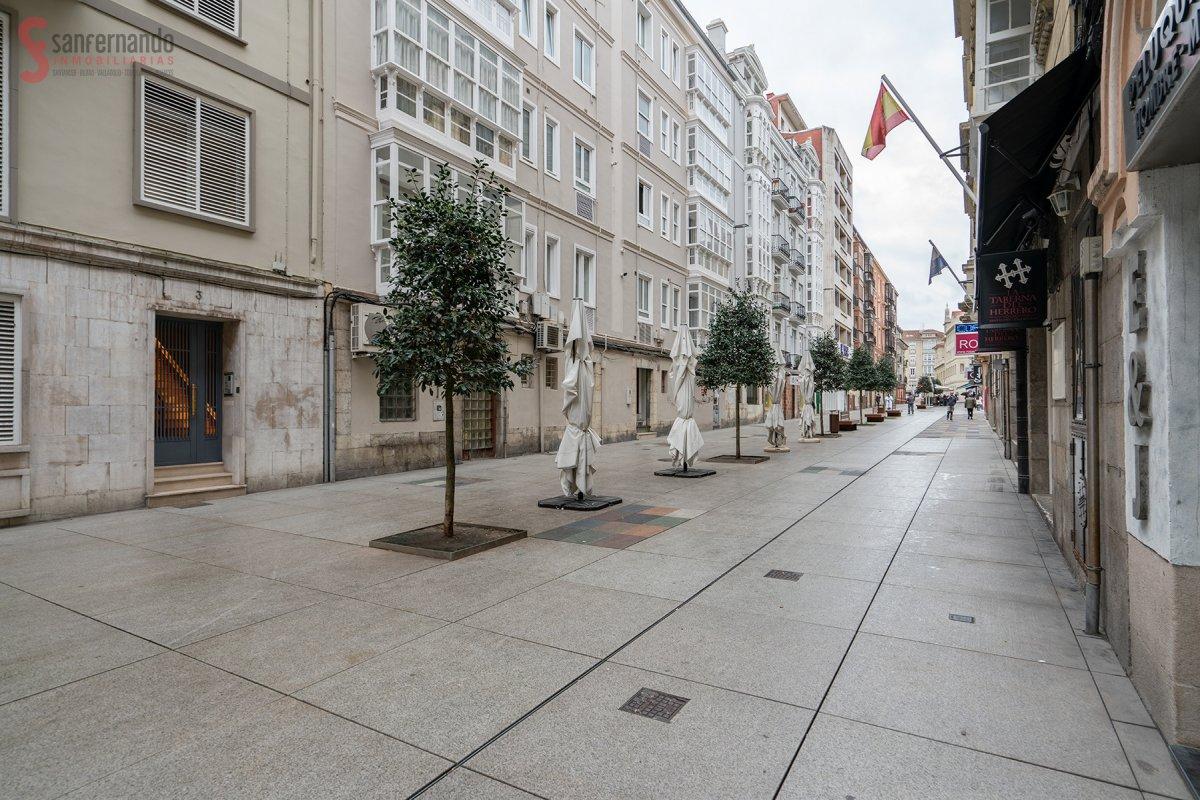 Piso en venta en Santander  de 4 Habitaciones, 1 Baño y 171 m2 por 269.000 €.