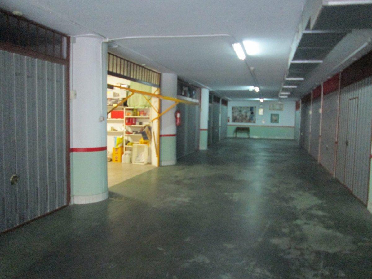 Garaje en alquiler en Santander  de 21 m2 por 121€/mes.