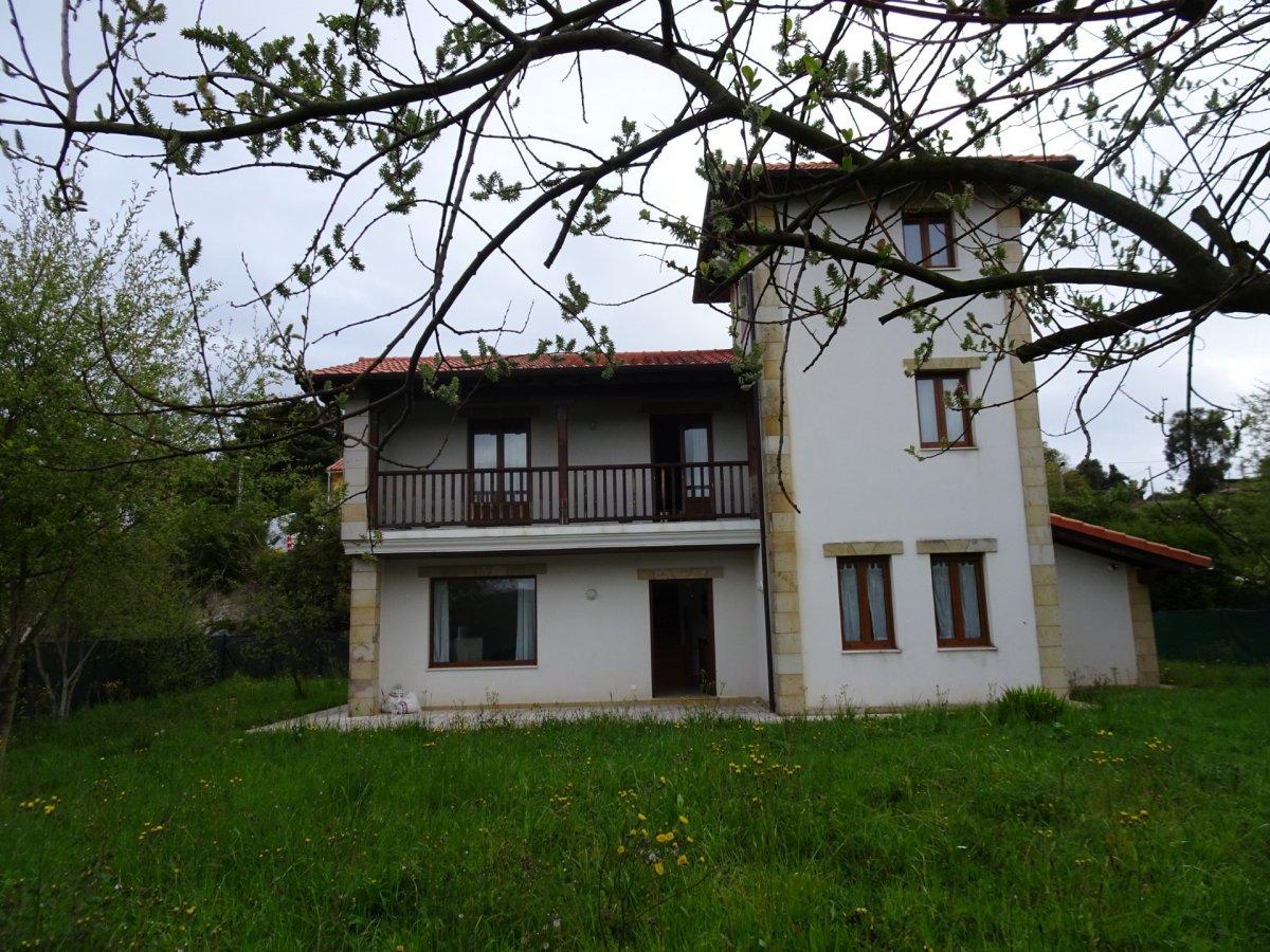 Casa en alquiler en Ruiloba  de 5 Habitaciones, 3 Baños y 260 m2 por 1.200€/mes.