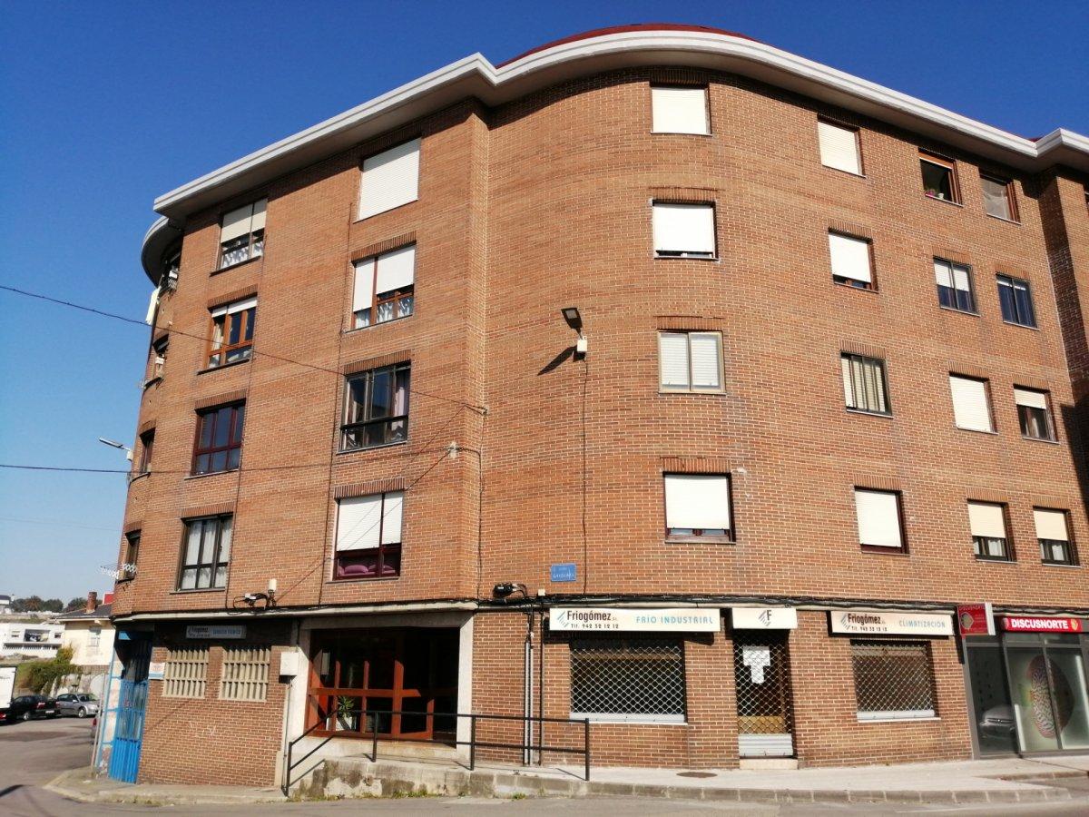 Piso en venta en Santander  de 2 Habitaciones, 1 Baño y 93 m2 por 88.824 €.