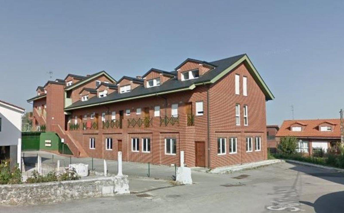 Piso en venta en Pielagos  de 3 Habitaciones, 2 Baños y 88 m2 por 132.000 €.