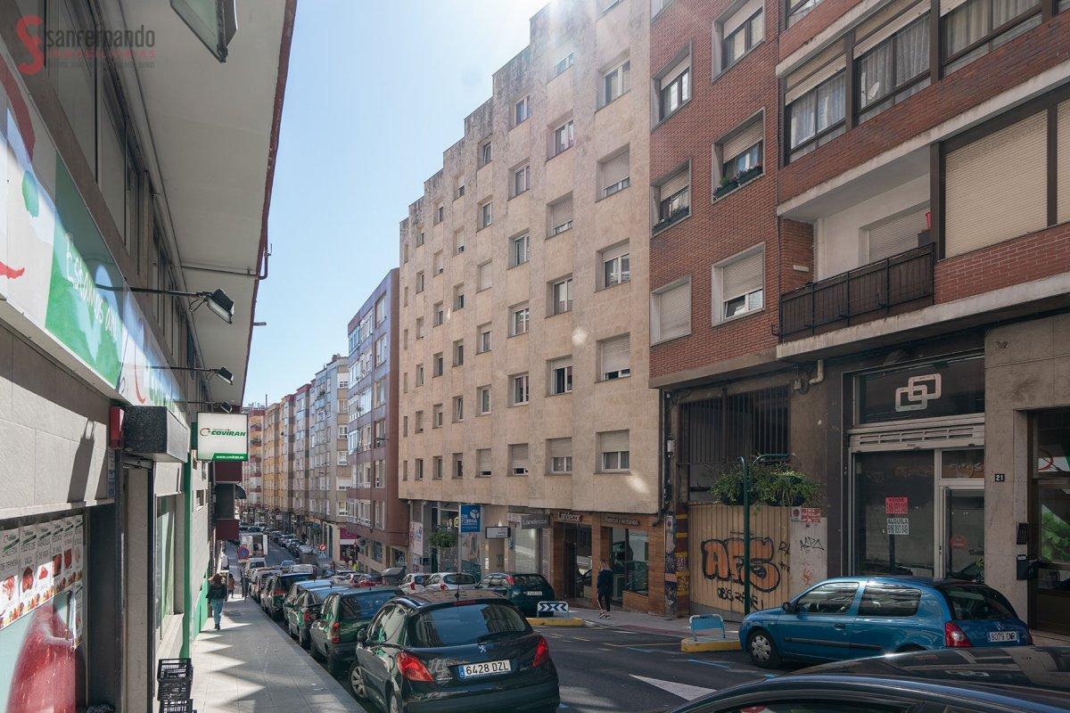 Piso en venta en Santander  de 3 Habitaciones, 1 Baño y 92 m2 por 164.000 €.
