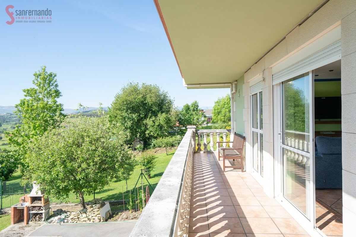 Casa en venta en Polanco  de 5 Habitaciones, 3 Baños y 271 m2 por 289.000 €.