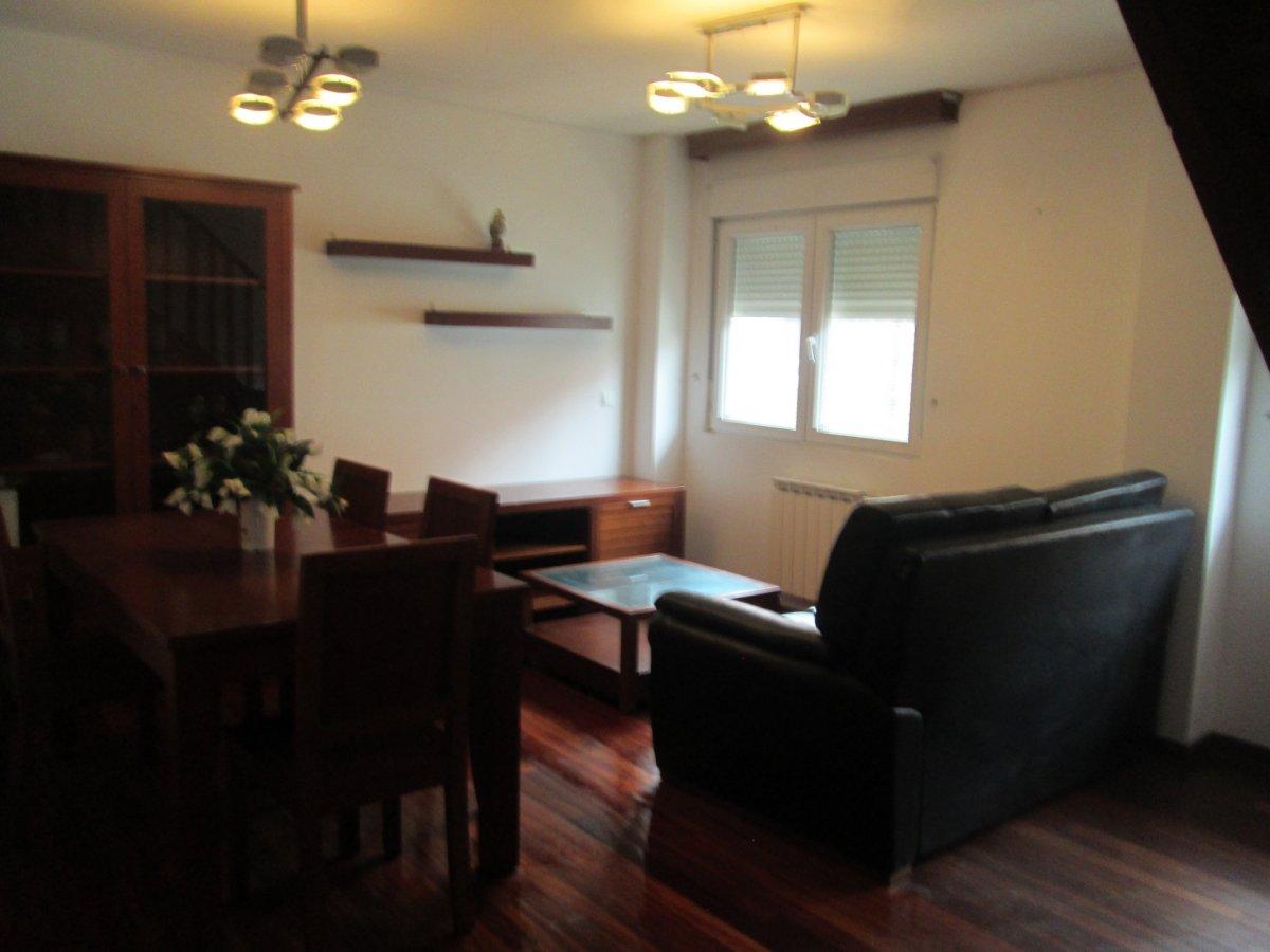 Piso en alquiler en Puente Arce  de 3 Habitaciones, 2 Baños y 150 m2 por 550€/mes.