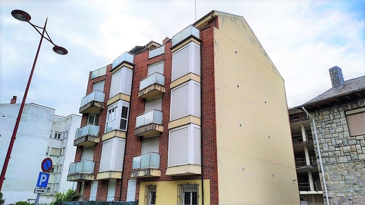 Piso en venta en Val de San Vicente  de 1 Habitación, 1 Baño y 42 m2 por 49.000 €.