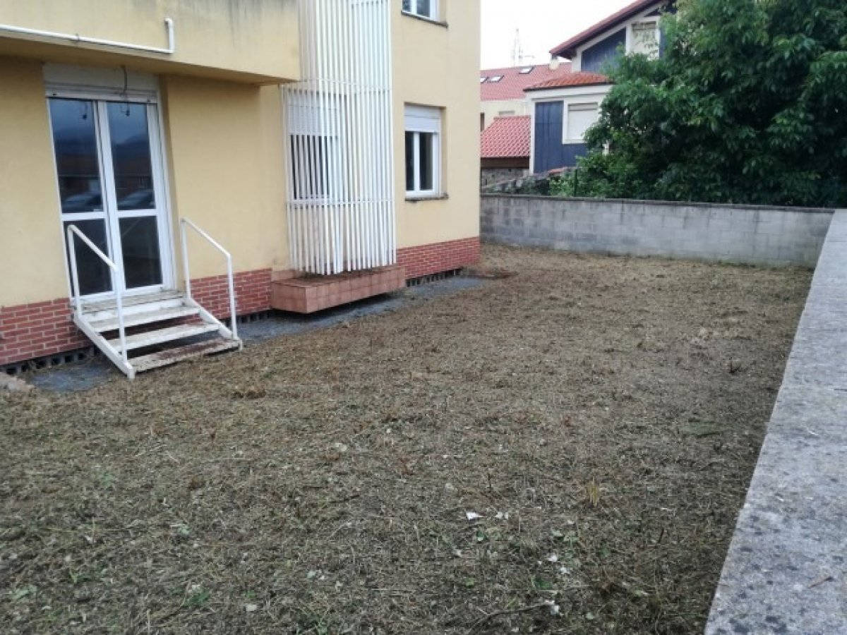 Planta baja en venta en Pielagos  de 2 Habitaciones, 1 Baño y 77 m2 por 69.000 €.