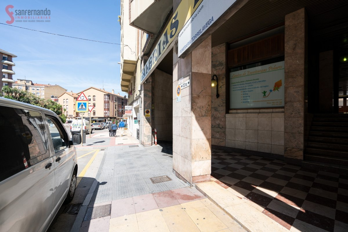 Local comercial en Torrelavega - CANTABRIA