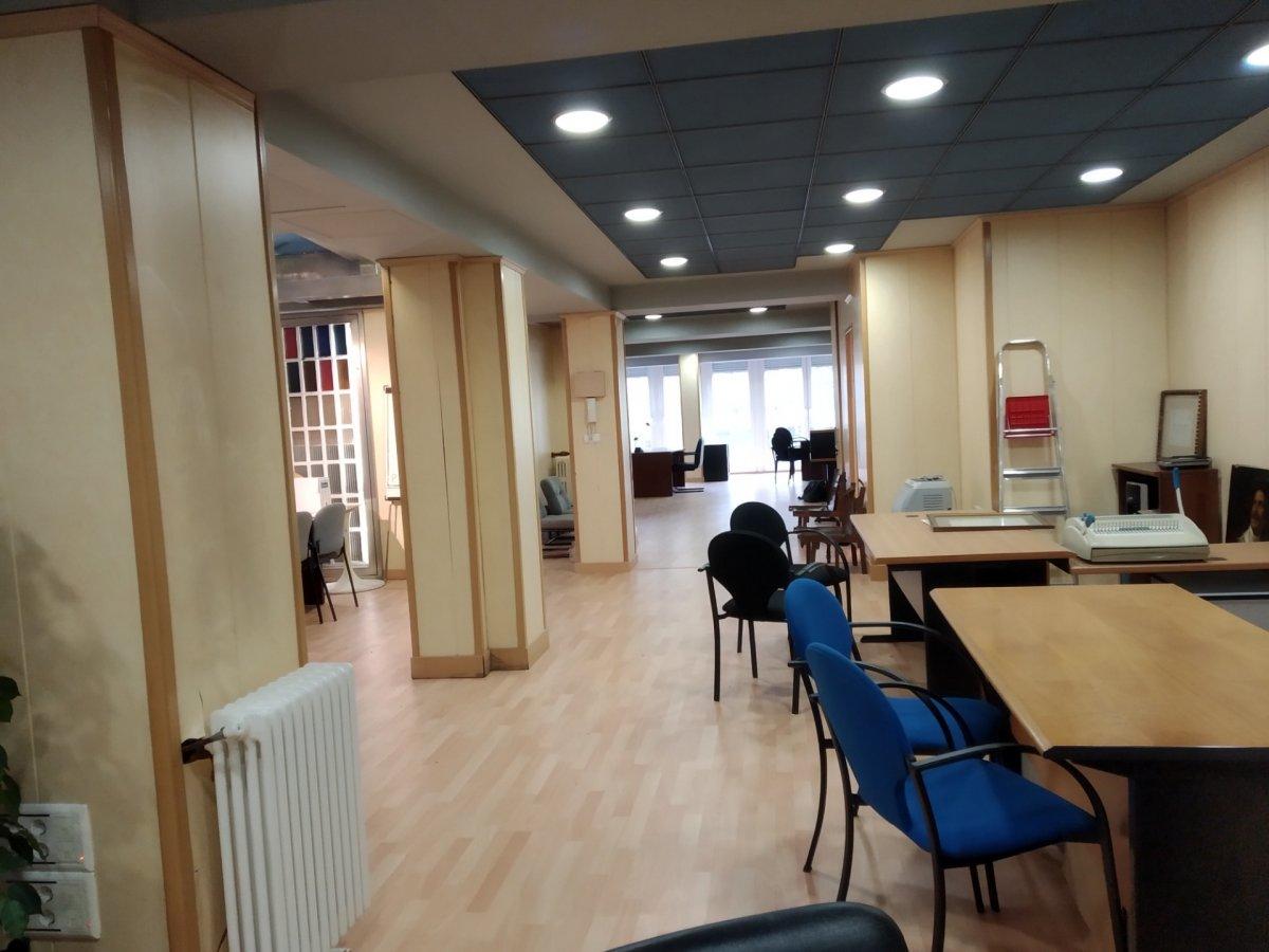 Oficina en alquiler en Santander  de 180 m2 por 1.300€/mes.