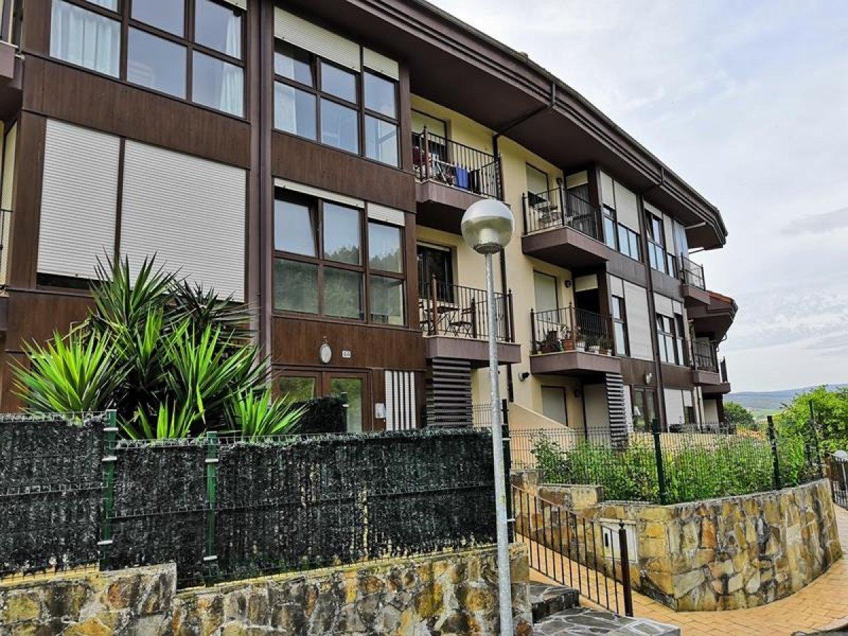 Planta baja en venta en Pielagos  de 1 Habitación, 1 Baño y 52 m2 por 70.000 €.