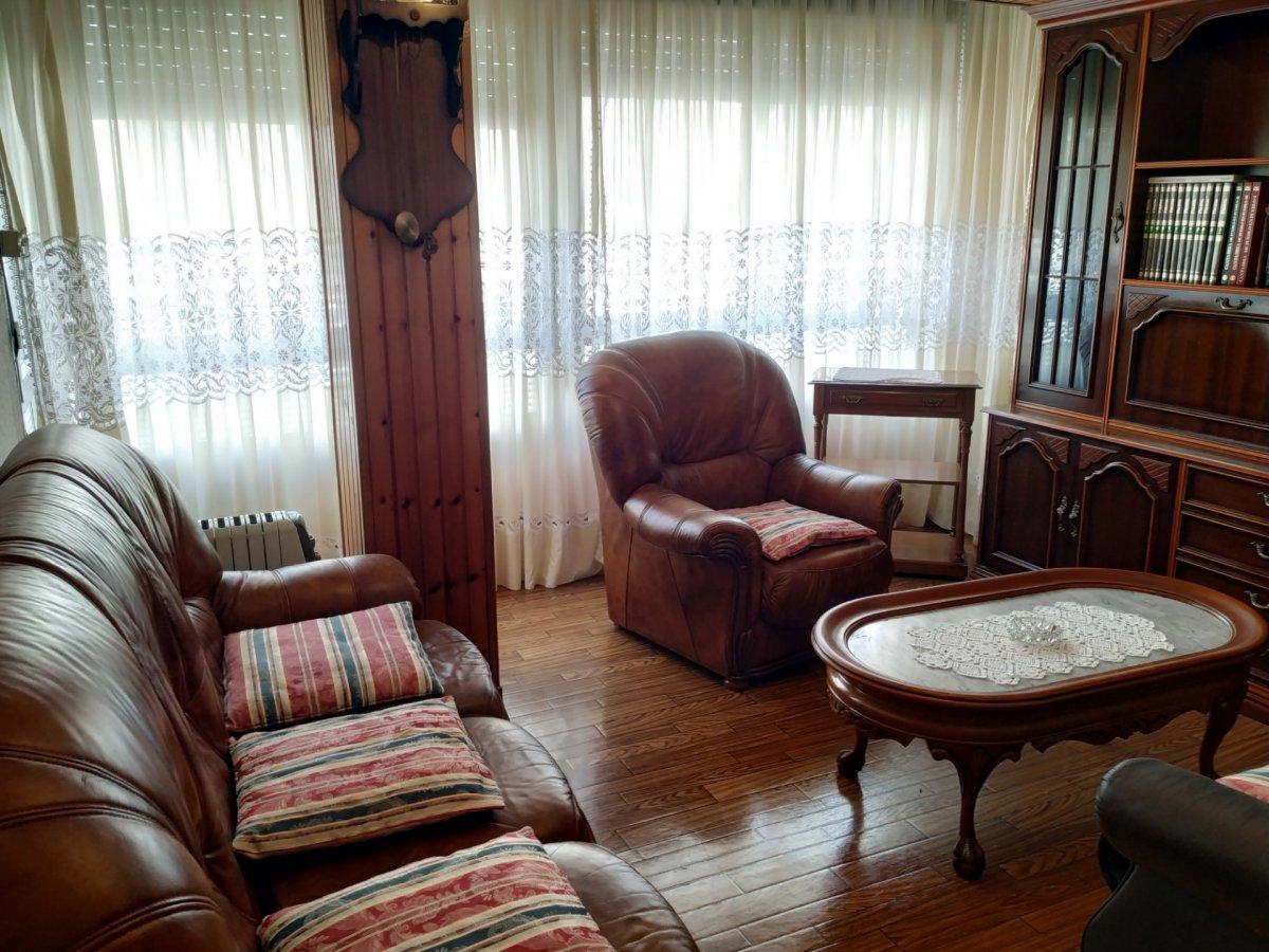 Piso en alquiler en Torrelavega  de 3 Habitaciones, 1 Baño y 7.512 m2 por 375€/mes.