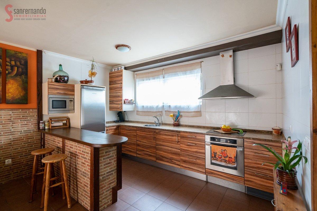 Pareado en venta en Miengo  de 2 Habitaciones, 1 Baño y 78 m2 por 117.000 €.