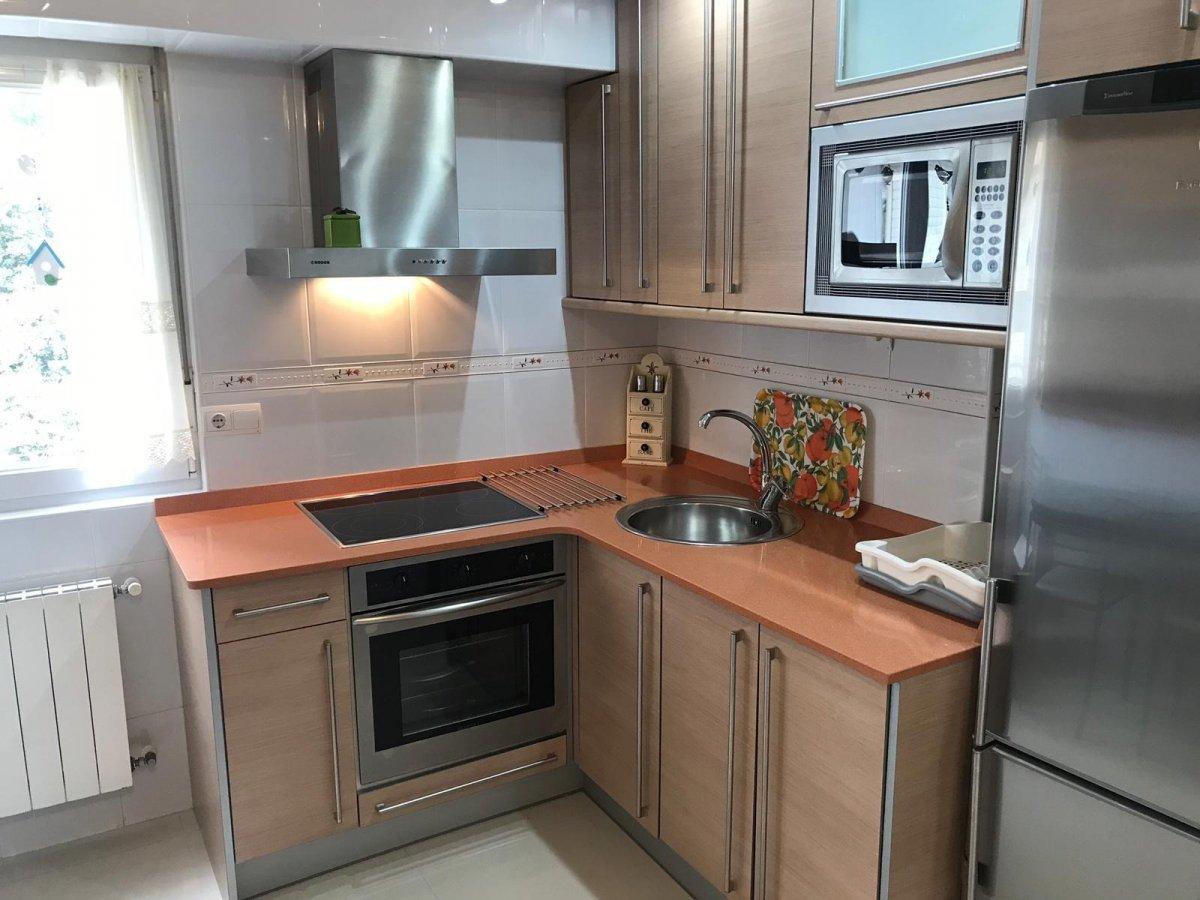 Piso en alquiler en Santander  de 3 Habitaciones, 1 Baño y 80 m2 por 600€/mes.