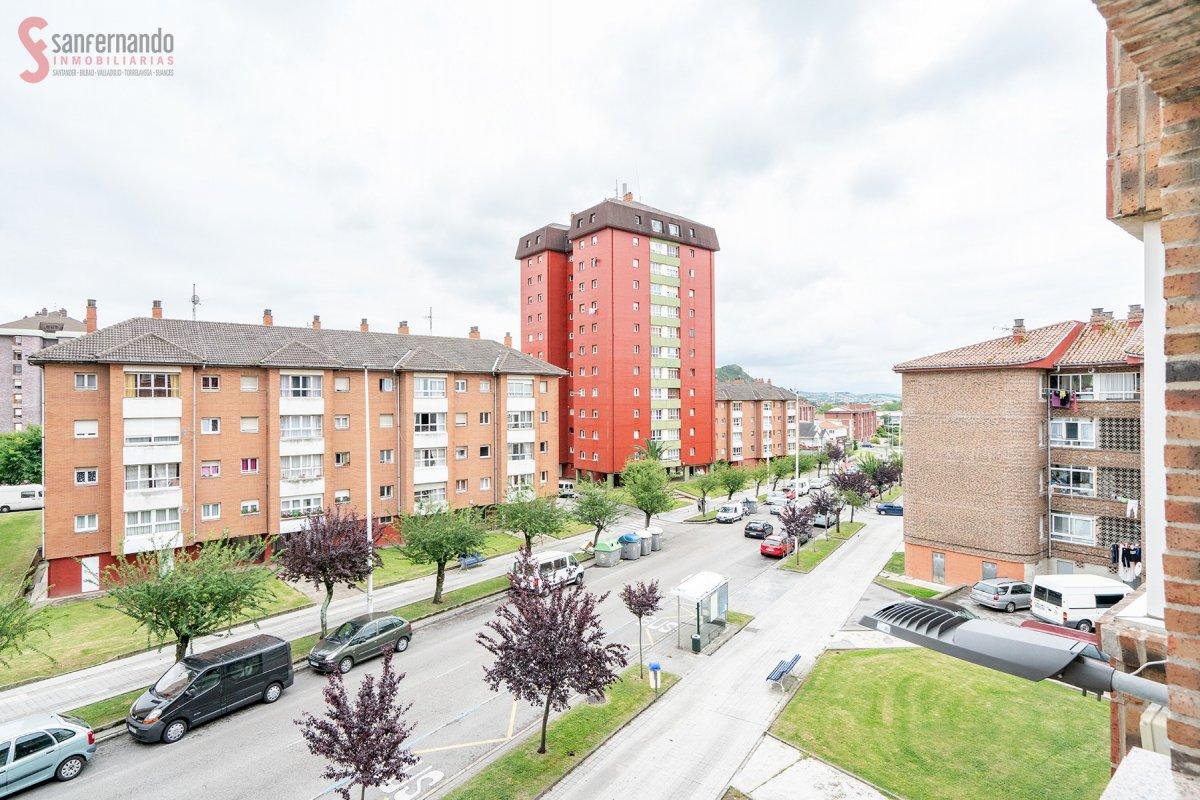 Piso en venta en Santander  de 3 Habitaciones, 1 Baño y 72 m2 por 67.000 €.