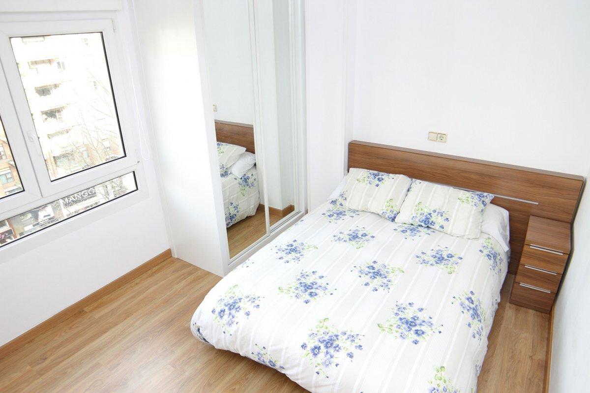 Piso en alquiler en Santander  de 3 Habitaciones, 1 Baño y 80 m2 por 650€/mes.