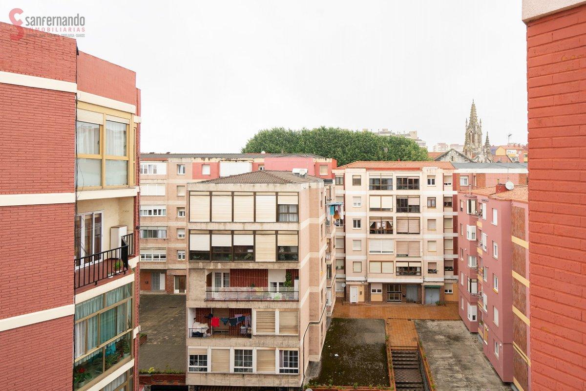 Piso en venta en Santander  de 3 Habitaciones, 1 Baño y 70 m2 por 129.000 €.