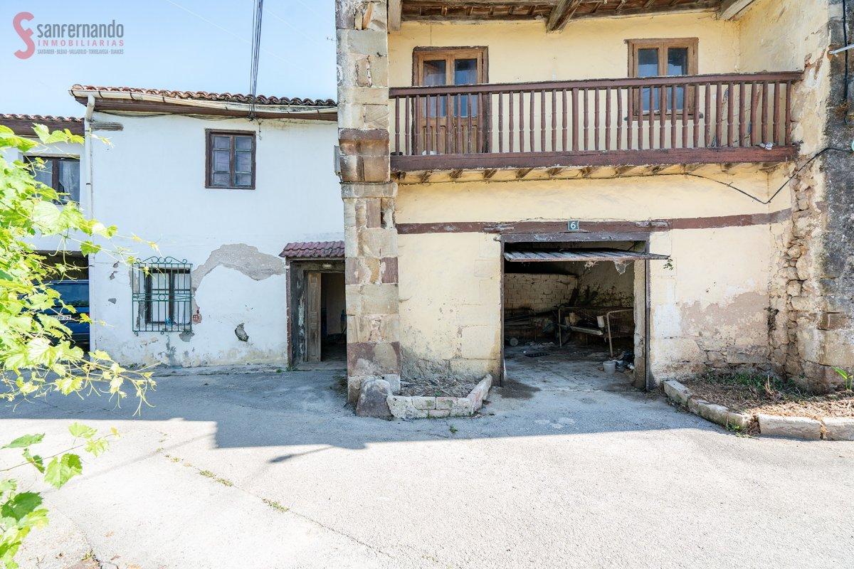 Pareado en venta en Pielagos  de 137 m2 por 40.000 €.