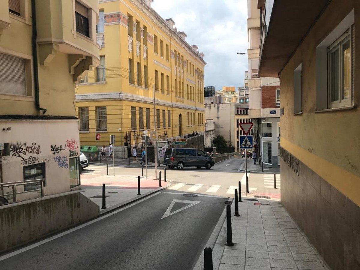 Local comercial en alquiler en Santander  de 30 m2 por 500€/mes.