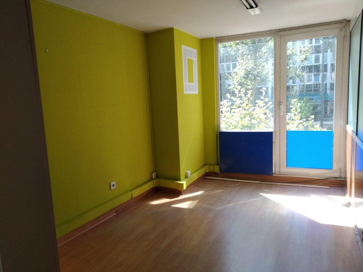 Oficina en alquiler en Santander  de 50 m2 por 400€/mes.