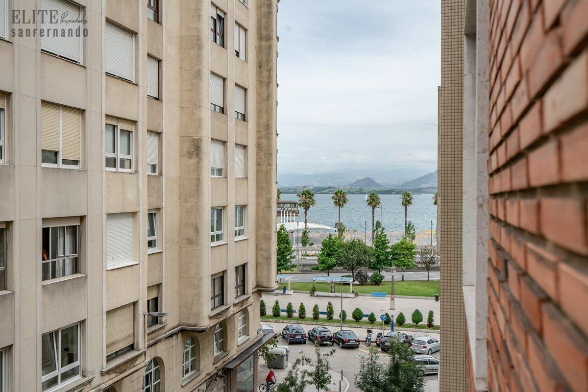 Piso en venta en Santander  de 5 Habitaciones, 2 Baños y 211 m2 por 489.000 €.