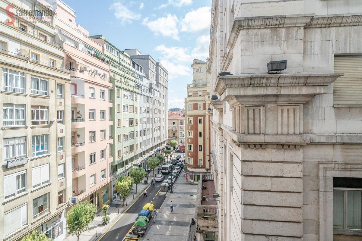 Piso en venta en Santander  de 4 Habitaciones, 1 Baño y 127 m2 por 255.000 €.